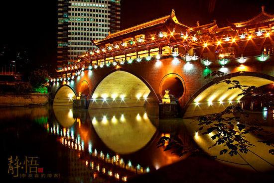 新浪旅游配图:廊桥夜景 摄影:李双喜