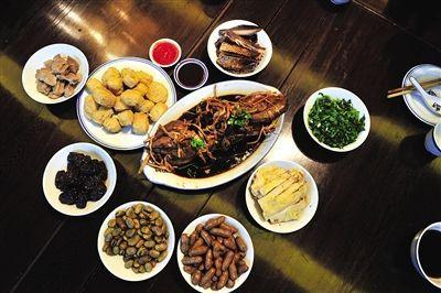 绍兴饭馆中常见的当地小吃