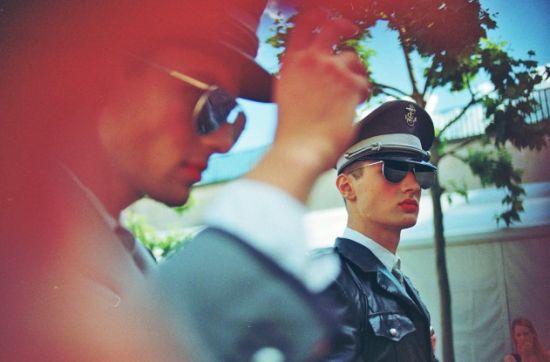 传统色系军官服饰