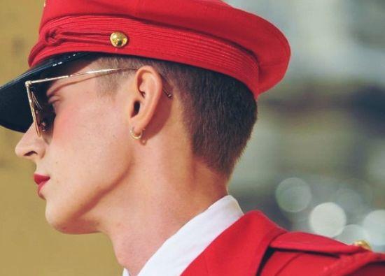红色军官妆容