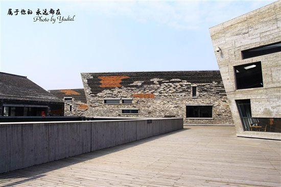博物馆的设计风格虽然独树一帜,但是却非常统一