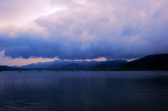傍晚的千岛湖