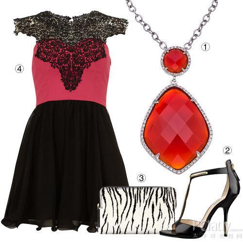红宝石项链+黑色蕾丝裙装