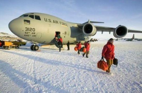 南极海冰机场