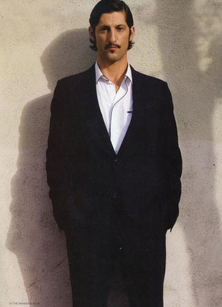 因拍摄成人片而进入模特圈的Tony Ward是男模界的常青树