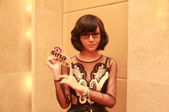 巧克力女孩 唯一的短发女孩 但很精致