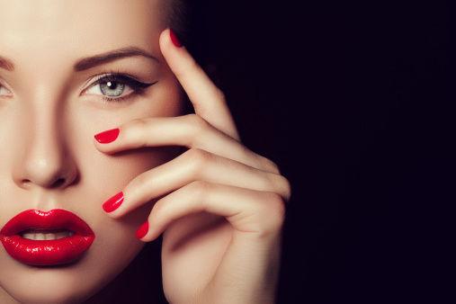 经期前后痘痘易爆发学习美容秘法快速变美