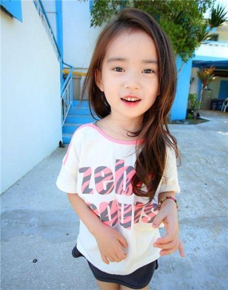 组图:韩国六岁超萌萝莉小模特秒杀无数大叔
