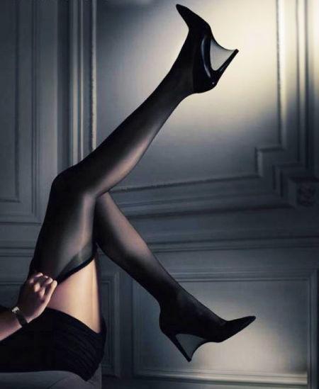 性感匕首高跟鞋对女性身体危害巨大(组图)