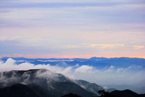 云海茫茫 摄影:飞的形状