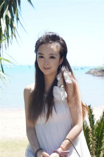 宁波小名媛分享私房照展示甜美度假风穿搭