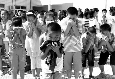 北仑小港实验小学昨开展安全逃生演练