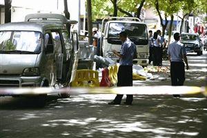 警方对事故现场进行勘查