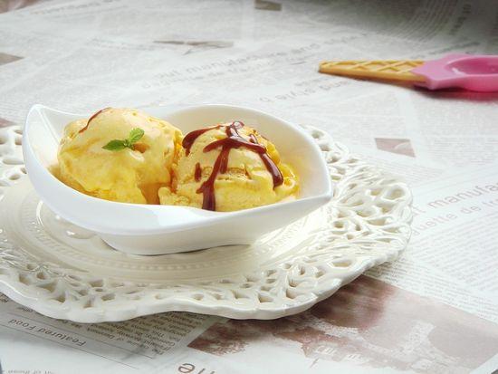 焦糖酱南瓜冰淇淋