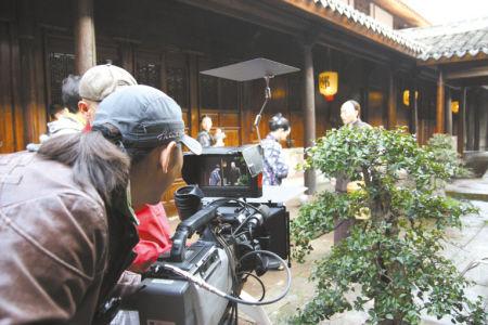 浓缩宁波帮故事的25集电视连续剧《郑氏十七房》。