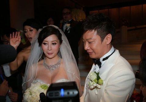 何洁大婚被吻玉足 十大明星重口味婚礼 2