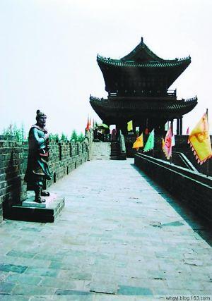 荆州古城。