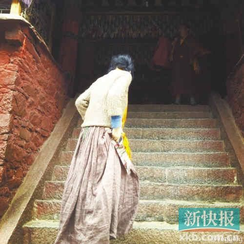 王菲与李亚鹏离婚后决心出家卖楼套现作女儿基金