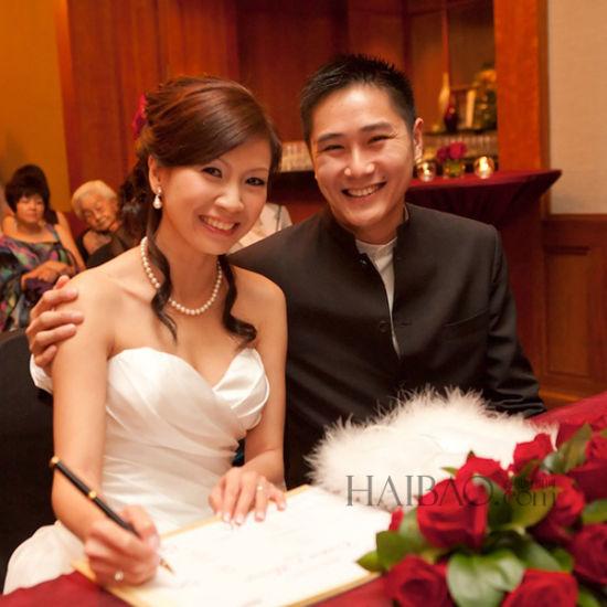 红色与金色主打体验优雅的新加坡传统结婚仪式