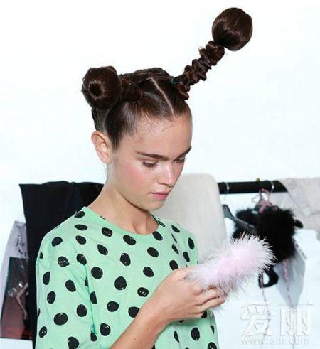 米奇发型超萌围观时装周秀场上的小精灵妆发