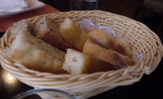 餐前赠送面包