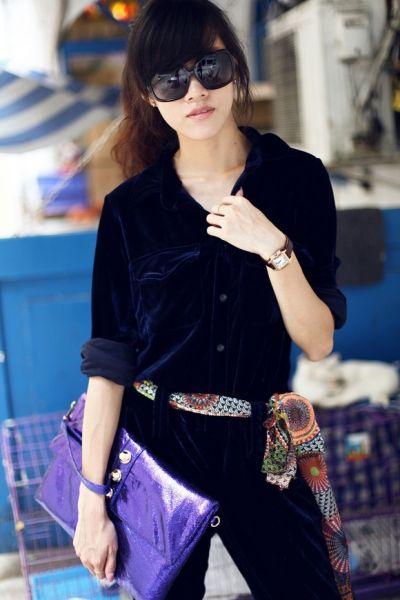 组图:美女达人着超帅丝绒连体衣引领时尚新风潮