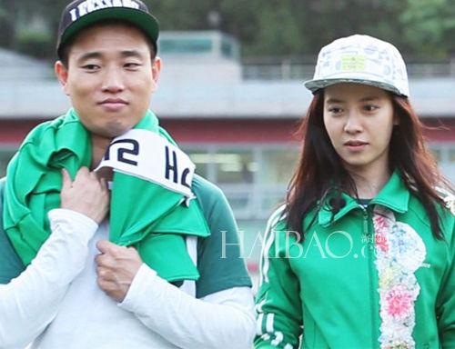 韩国养眼情侣话题多上节目谈情说爱赚高人气