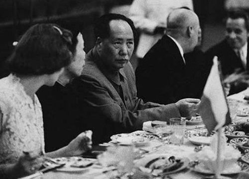 毛泽东用餐