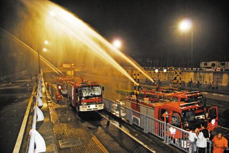 江北消防打通积水通道