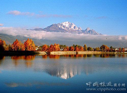 玉龙雪山是北半球离赤道最近的雪山