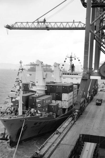 宁波港直航台湾航线达到11条