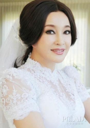 刘晓庆婚后庆生美如花保养得当让人猜不出年龄