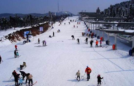 浙江宁波四明山商量岗滑雪场