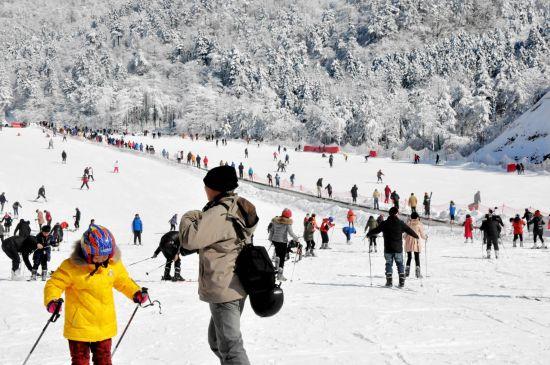 临安大明山万松岭滑雪场