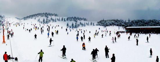 安吉江南天池露天滑雪场