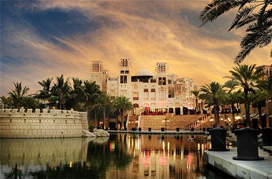迪拜缤纷酒店