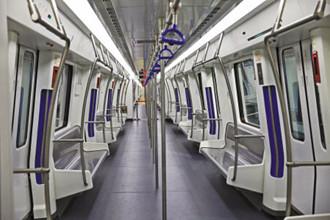 首辆宁波造地铁列车,投入轨交1号线一期线路运行