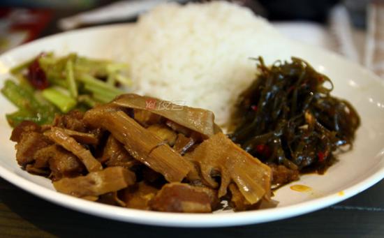 笋干烧肉饭套餐
