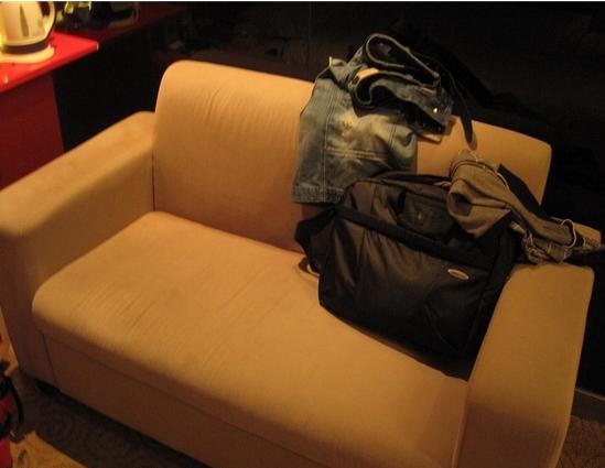 房间内的沙发