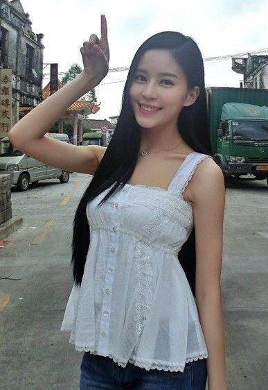 黄晓明疑似22岁新欢女友才貌胜过baby(2)