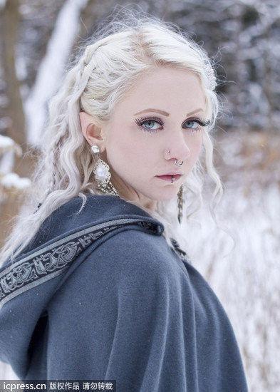 女子耳朵整形似精灵自认前世是仙女(附图)
