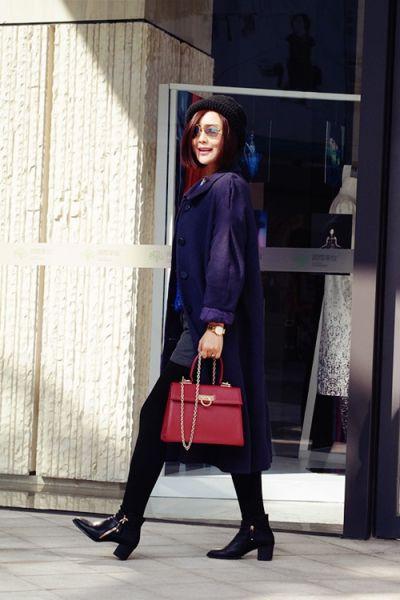 组图:新年首款紫色长大衣让冬天不再暗淡