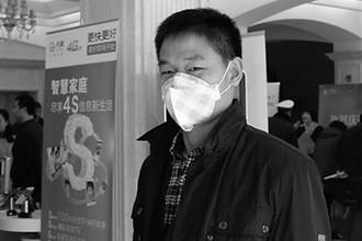人大代表戴口罩,关注雾霾话题