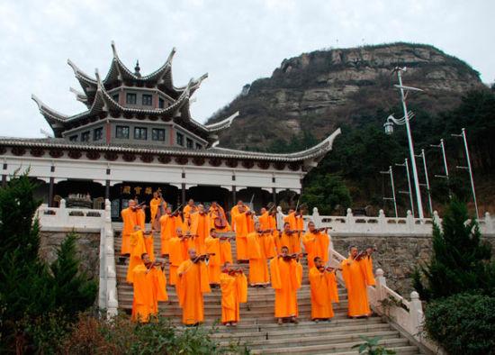 与时代同步的中国寺庙和最潮法师(组图)