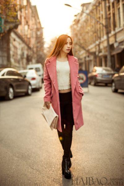 组图:时尚茧型大衣搭配小脚裤让你韩范十足