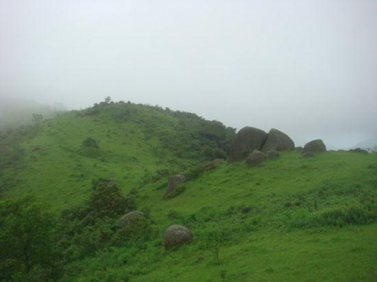 五皇山自然风景区是由高山草坪