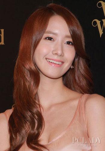 组图:允儿美肌恋爱双丰收学韩女星私房护肤法