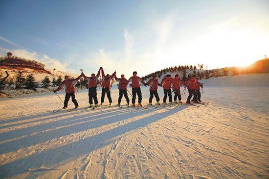 享受滑雪的浪漫与激情