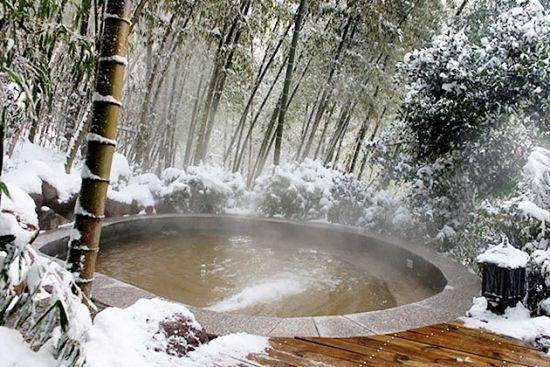 雪中泡温泉
