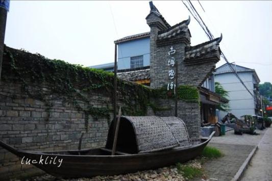 组图:游走古堰画乡一座给你艺术灵性的小城